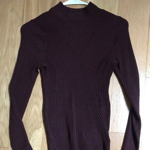 H&M ribbed maroon long sleeve shirt